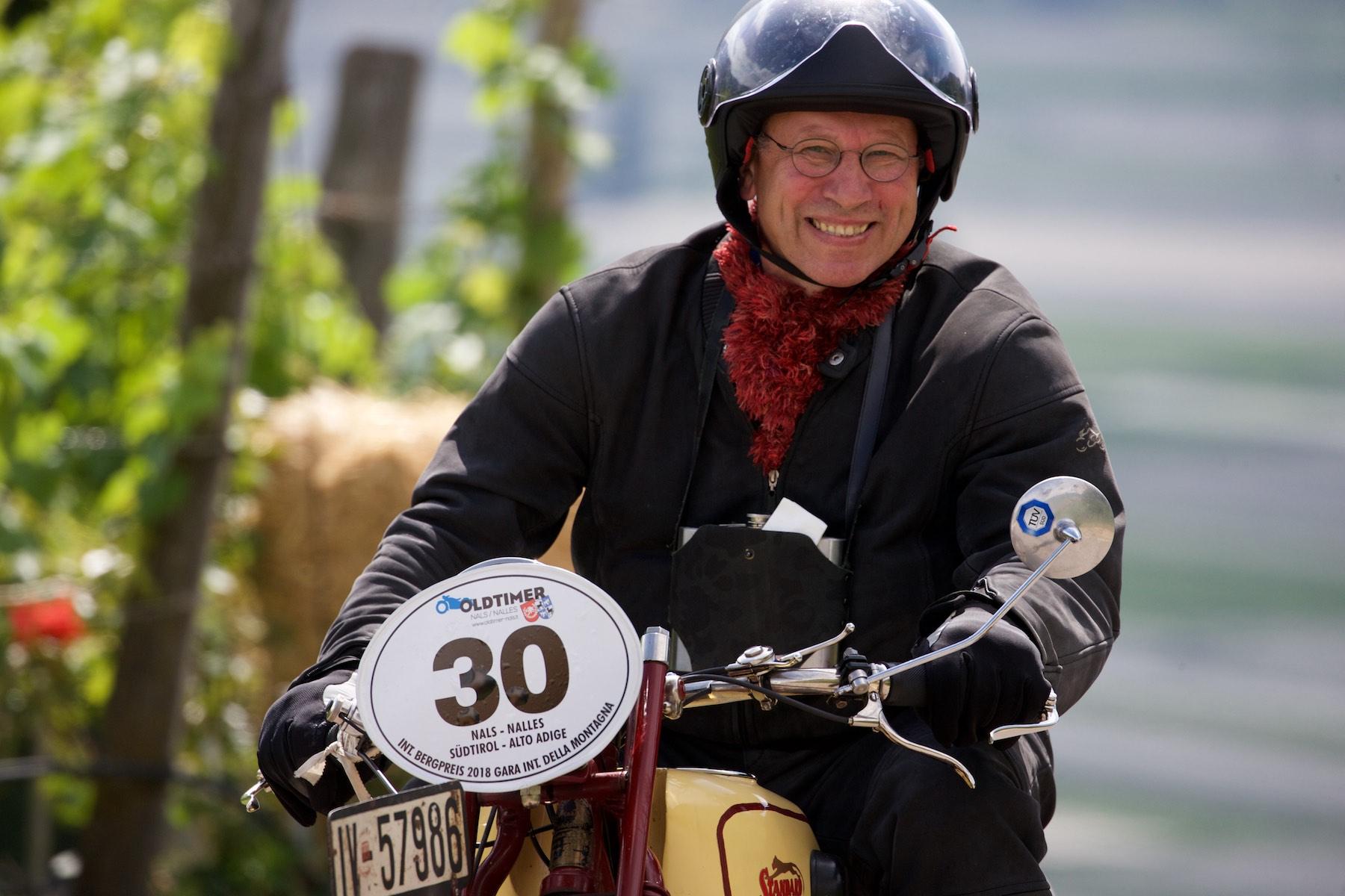 © John McDermott | Bergrennen Oldtimer Bikes Nals-Südtirol
